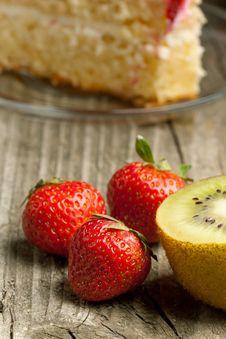 Free Fresh Strawberries And Kiwi Stock Photo - 19781110
