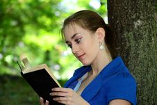 Free Beautiful Girl  Teenager Reads The Book In Park Stock Photos - 19782183
