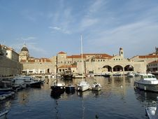Free Dubrovnik Harbor At Dawn Royalty Free Stock Image - 19784206