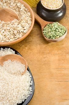 Free Rice, Pea, Spaghetti And Oat In Plate Stock Photo - 19784350
