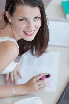 Free Pretty Female College Student In The  Library Royalty Free Stock Photo - 19785855
