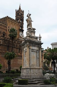 Free Cathedral Palermo Royalty Free Stock Images - 19788689