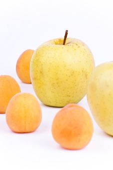 Free Fresh Apricot And Apples Stock Photo - 19789200