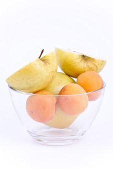 Free Fresh Apricot And Apples In Dish Stock Photography - 19789212