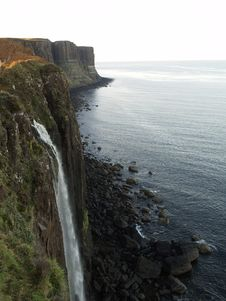 Free Waterfall Of Kilt Rock Stock Images - 19790644