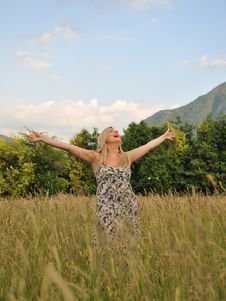 Free Pretty Summer Woman In Countryside Royalty Free Stock Photos - 19790878