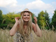 Free Pretty Summer Woman In Countryside Royalty Free Stock Photos - 19790888