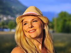 Free Summer Female Portrait With Hat Outdoors Stock Images - 19790904