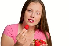 Free Girl Gives Strawberry Royalty Free Stock Image - 19791276