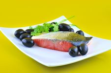 Free Salmon And Olives Royalty Free Stock Photos - 19791348