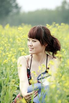 Free Summer Girl In Rape Field. Royalty Free Stock Photography - 19793857