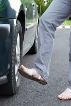 Free The Foot Beats On A Wheel Royalty Free Stock Image - 19795476