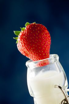 Free Milk Bottle With Strawberry Stock Image - 19797071