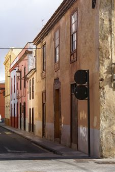 Free Old Houses In Spanish Town La Laguna Royalty Free Stock Photo - 19798965