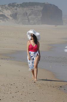 Free Beautiful Woman On The Beach Royalty Free Stock Photos - 19799608