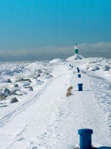 Free Ski Trail To Light Royalty Free Stock Photo - 1981635