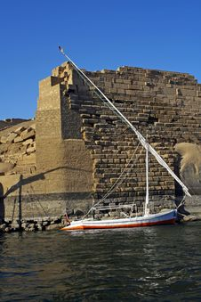 Egyptian Felucca With Pharanoic Background Royalty Free Stock Image