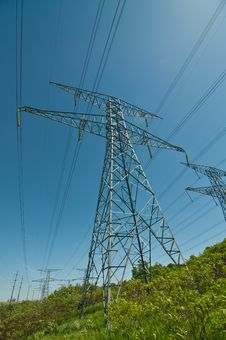 Free Electrical Transmission Towers (Pylons) Royalty Free Stock Photography - 19800077