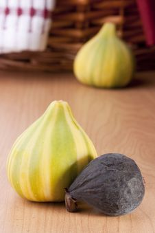 Free Ripe Fruits Of A Fig Royalty Free Stock Photo - 19800155