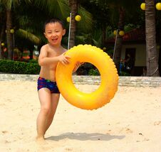 Free Asian Boy At Beach Royalty Free Stock Photo - 19800295