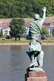Free Waving Across The Rhine Royalty Free Stock Photography - 19803817