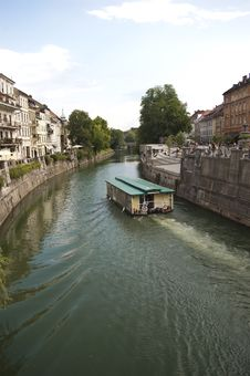 Free River And Old Town Centre  In Ljubljana Royalty Free Stock Image - 19807426
