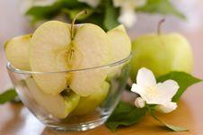 Free Apples Royalty Free Stock Photos - 19812138