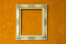 Free Antique Ivory Frame Royalty Free Stock Photography - 19812547