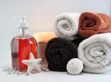 Free Spa Towels With Soaps And Lit Candle Stock Photos - 19812733
