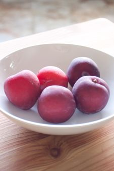 Free Fresh Plums Stock Images - 19823144