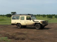 Free Safari Vehicle Royalty Free Stock Images - 19825329