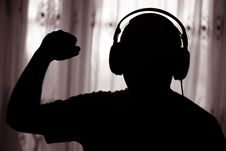 Free The Man Listens To Music Stock Image - 19827231