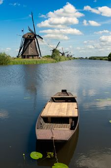 Windmill Landscape At Kinderdijk The Netherlands Royalty Free Stock Images