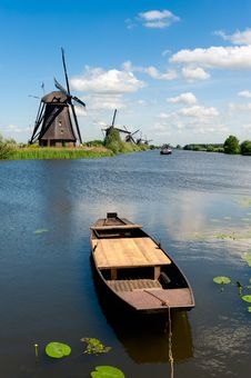 Free Windmill Landscape At Kinderdijk The Netherlands Royalty Free Stock Photo - 19828765