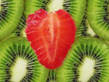 Free Strawberry Heart And Kiwi Stock Photo - 19829440