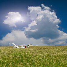 Free Two Gliders Royalty Free Stock Photo - 19832165