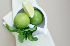 Free Limes And Mint Royalty Free Stock Photo - 19832825