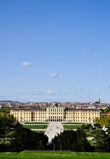 Free Panoramic View Over Castle Schönbrunn Royalty Free Stock Photography - 19836097