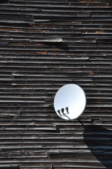 Free Satellite Dish On The Wall Stock Image - 19838931