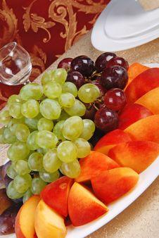 Grape And Peach 10 Royalty Free Stock Photos
