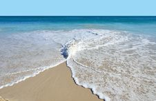 Free Waves Gently Lap On White Sand Stock Images - 19843464