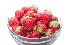 Free Fresh Strawberries In A Glass Dish On White. Royalty Free Stock Images - 19845369
