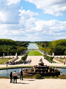 Free Versailles Castle Garden With Fountain In France Royalty Free Stock Photography - 19845547