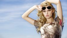 Free Beautiful Girl In Sunglasses Royalty Free Stock Photography - 19846297