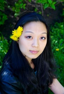 Free Asian Girl With Dandelion Flower In Hair Stock Images - 19847504
