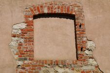 Free Window Of A Medieval Building Royalty Free Stock Images - 19849859