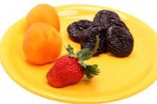 Free Fruit On A Yellow Plate Royalty Free Stock Photo - 19851095