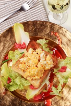 Free Scrambled Eggs On Toast And Fresh Salad Stock Images - 19852544