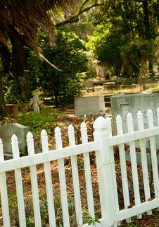 Free White Plastic Picket Fence Stock Photo - 19854130
