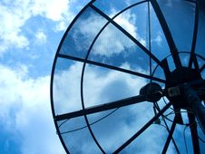 Free Antenna Dish Royalty Free Stock Photography - 19856377